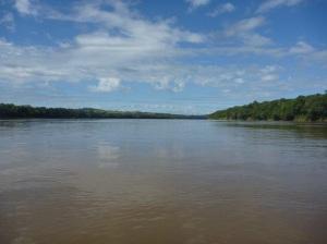 """6bbd32414f Trecho do rio pelo qual em dezembro de 2009 """"rodamos"""" e nadamos até  conseguir"""